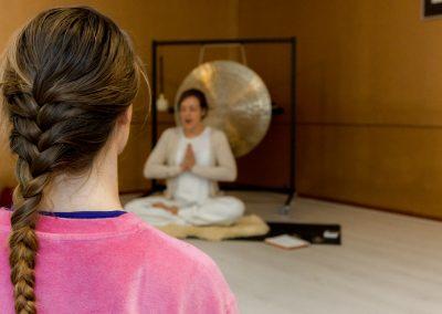 Yoga les geven?